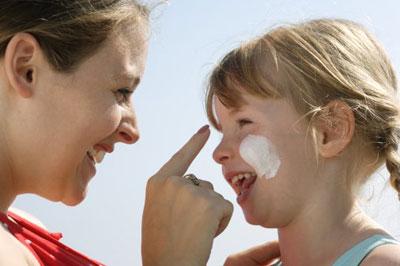 儿童化妆品  你选对了吗